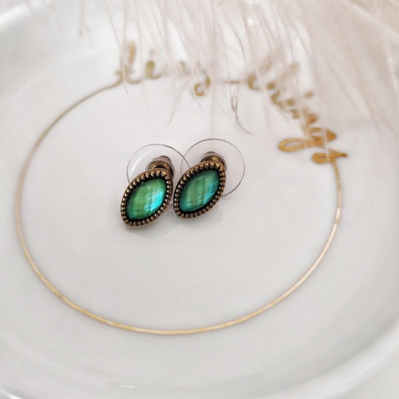 Nuberu earrings macomo
