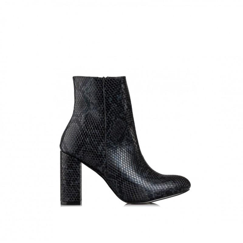 V15-12941 black envie shoes